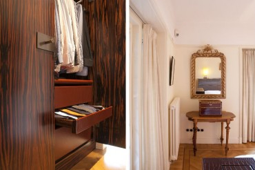 Detail maatwerk kledingkast met laden van tuigleer. Ontwerp DenkRuim - Antieke tafel en spiegel in contrast met modern design